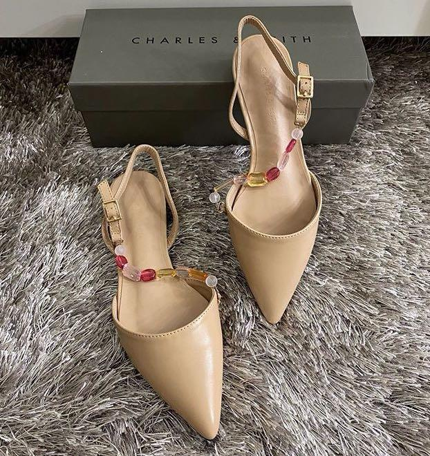 CHARLES & KEITH FLAT SANDALS FOR SALE✅