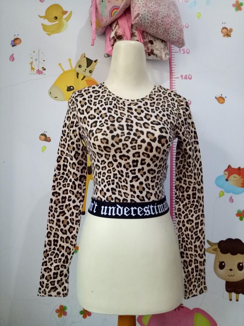 crop top leopard hnm