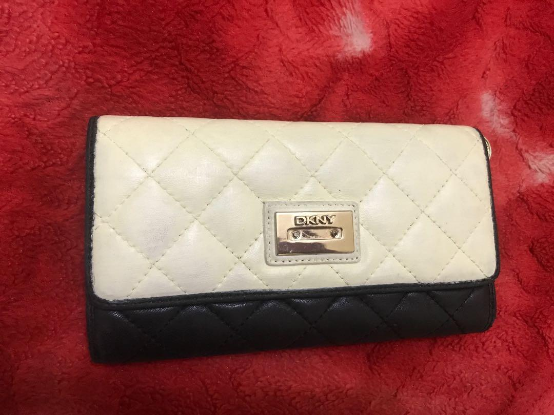 Dompet DKNY authentic