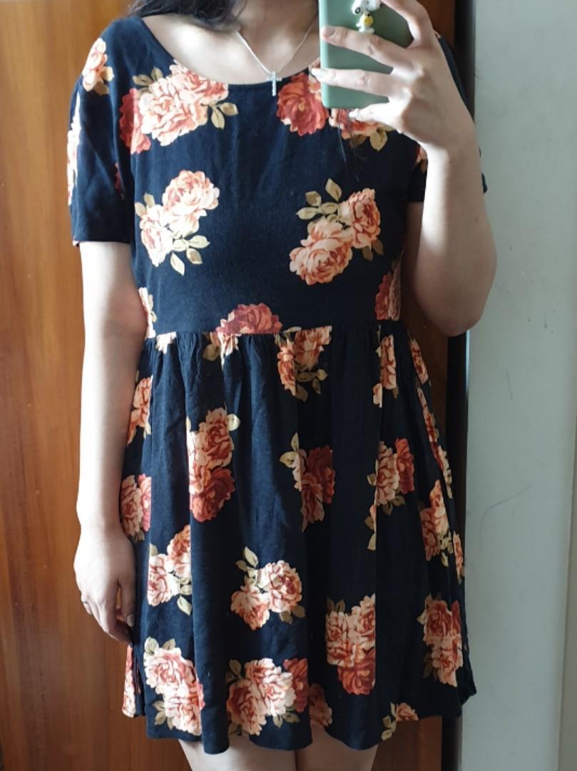 FOREVER21 Flower Black Dress