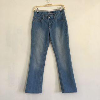 Hangten 淺藍色 刷色 低腰 微彈性 微喇叭直筒牛仔褲