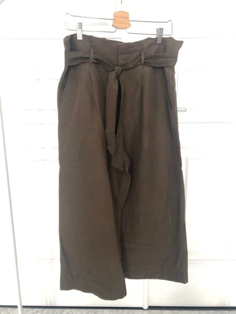 H&M olive paper bag pants