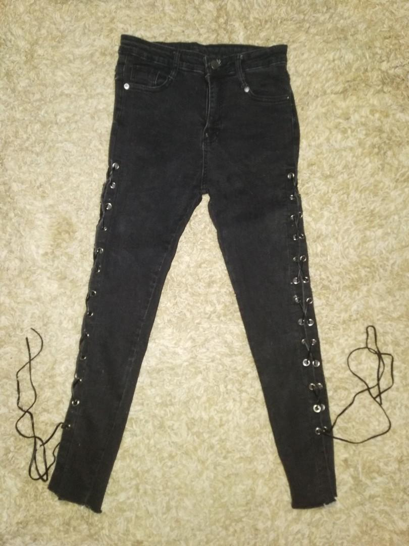 jeans hitam bertali