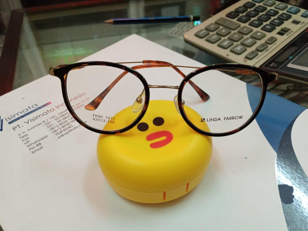 Kacamata linda farrow