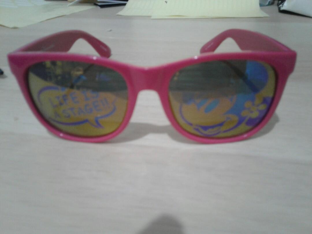 Kacamata Tokyo Disney Resort Warna Pink
