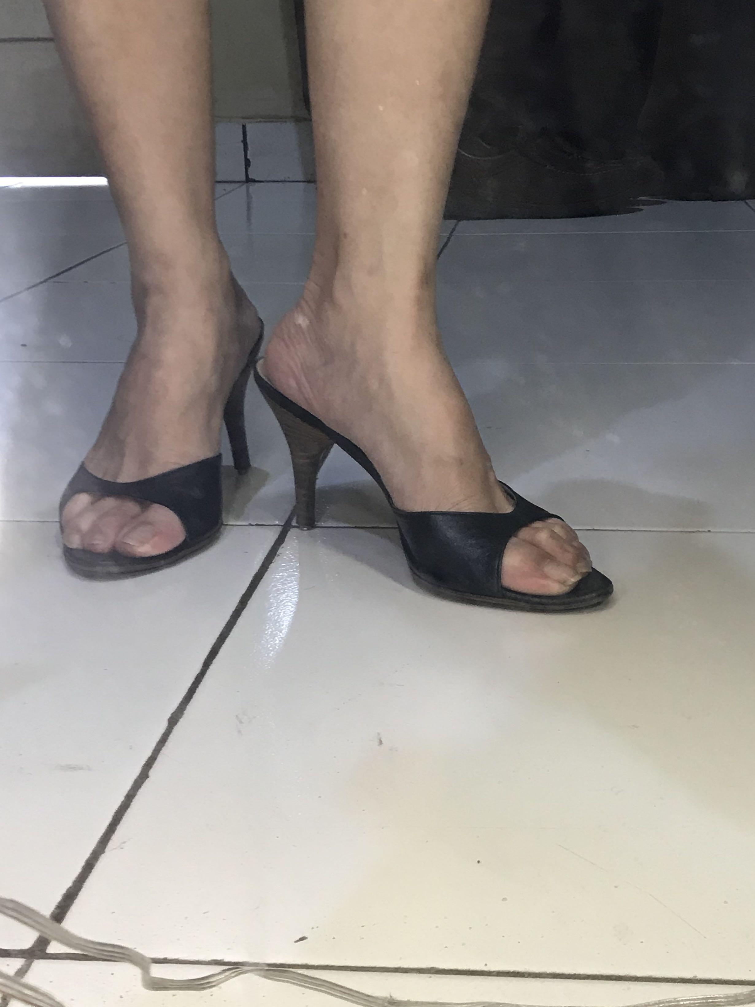 #Mauovo Hugo Boss Heels Mid Black