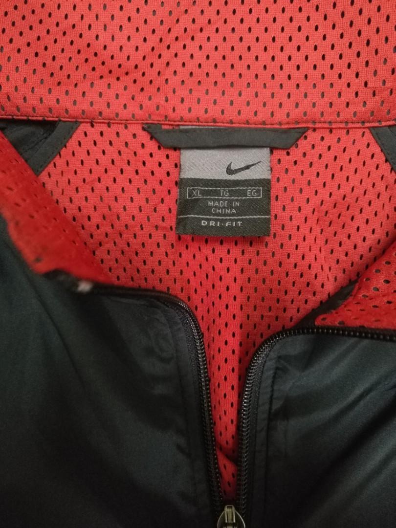 Nike windbreaker size XL