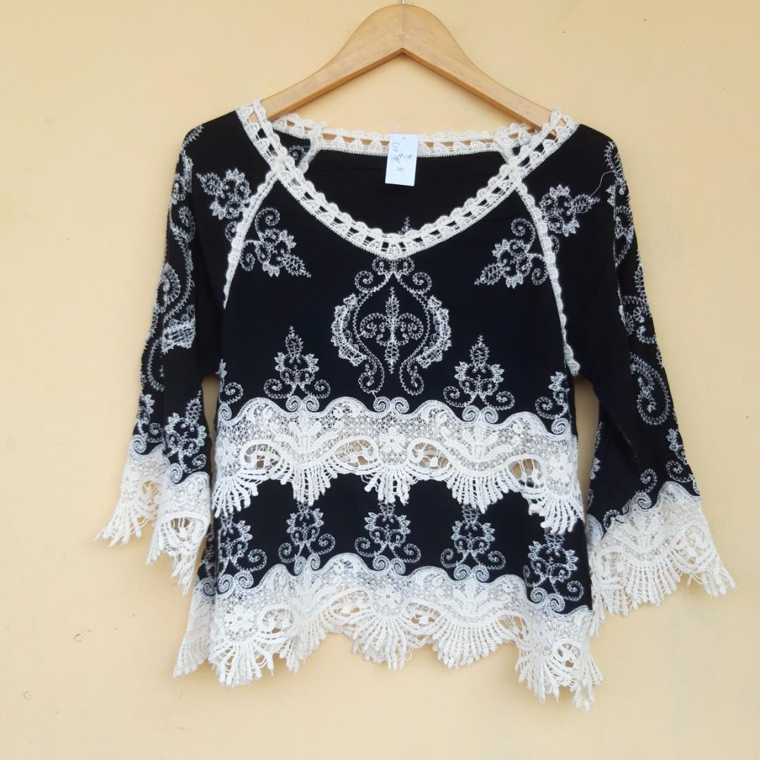 #octoberovo embroidery top