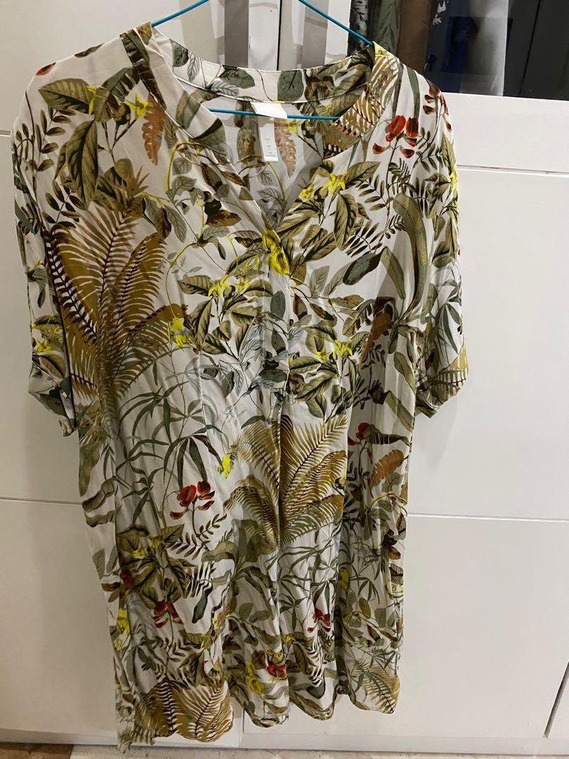 #octoberovo V neck Dress H&M