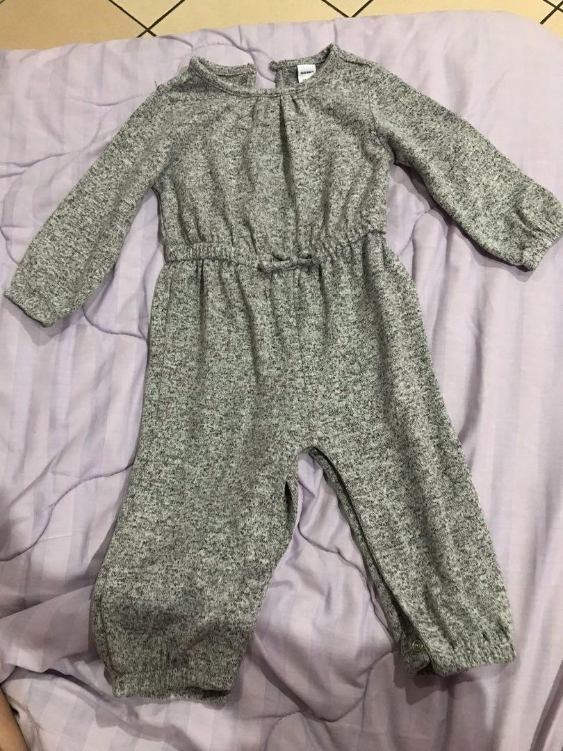 Old navy soft knit jumpsuit 12-18 mos