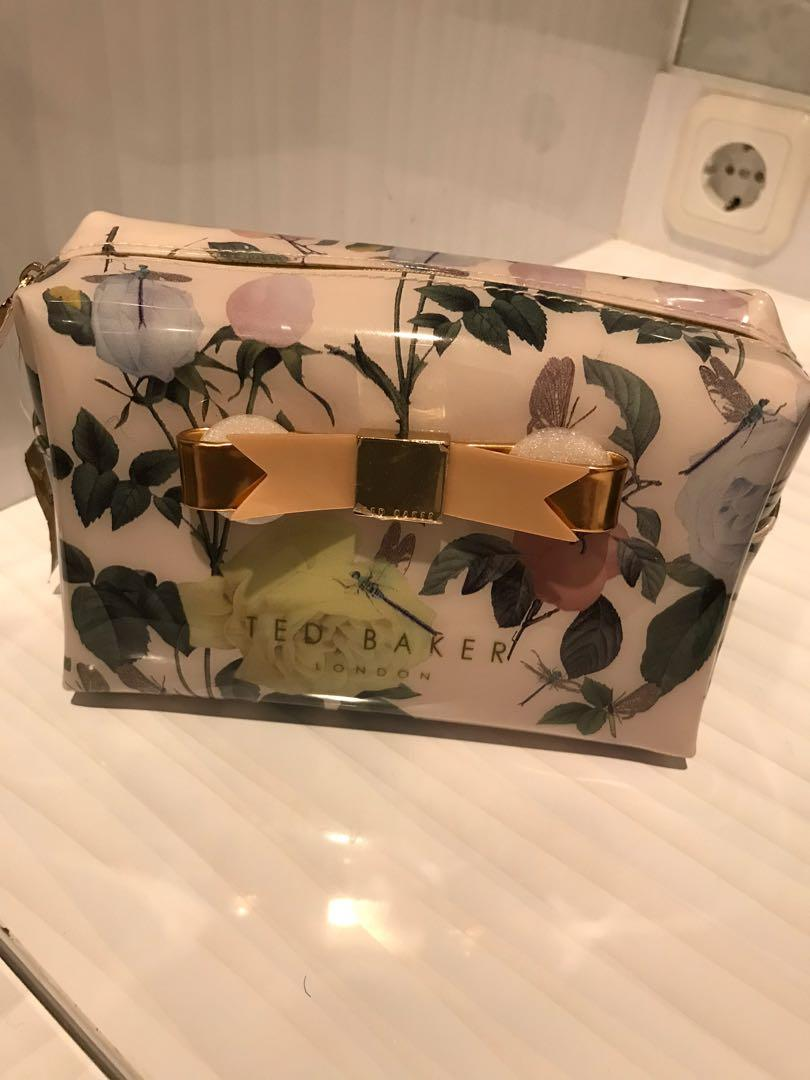 Pouch ted baker