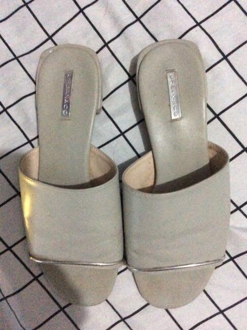 Sandal/ selop