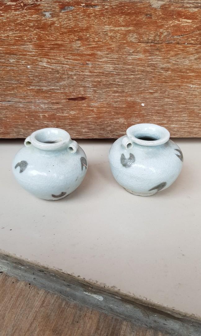 Sepasang pajangan kramik mini antik
