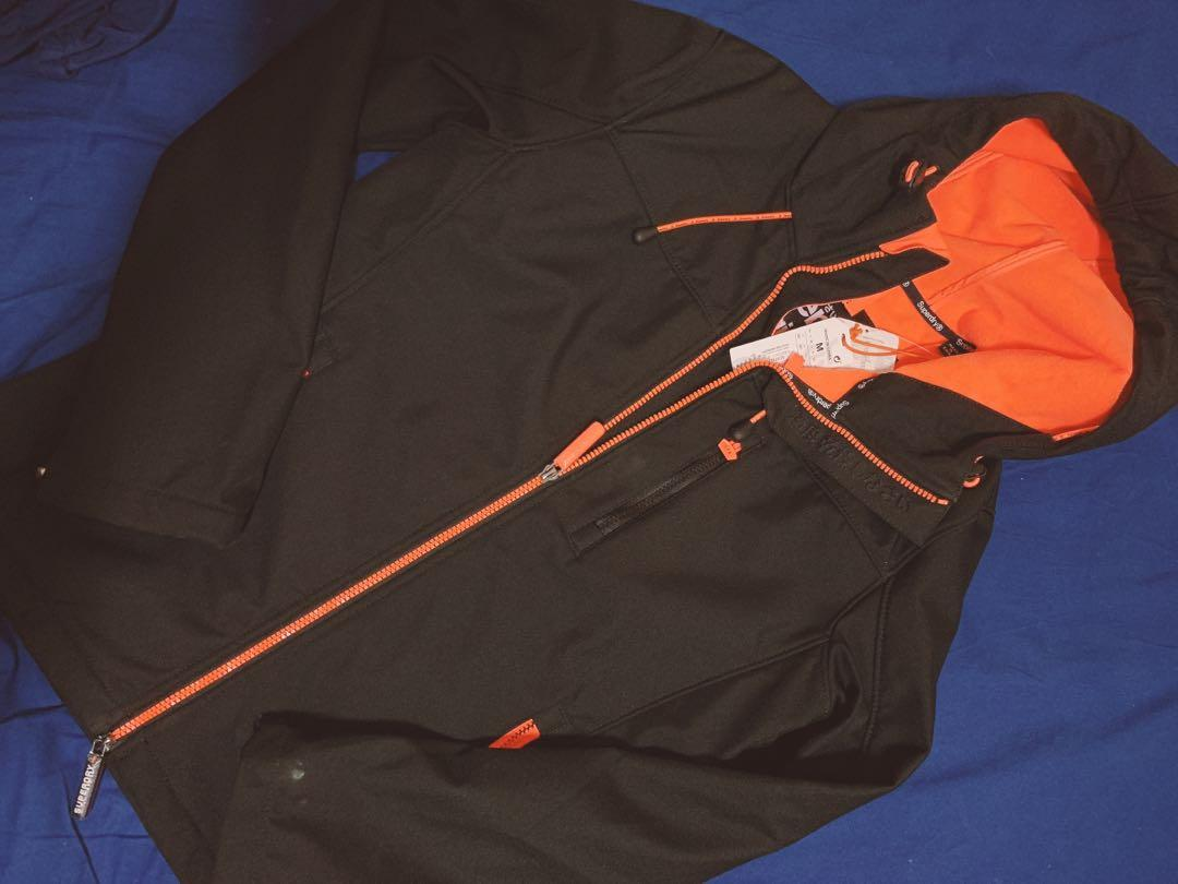 Superdry防風外套