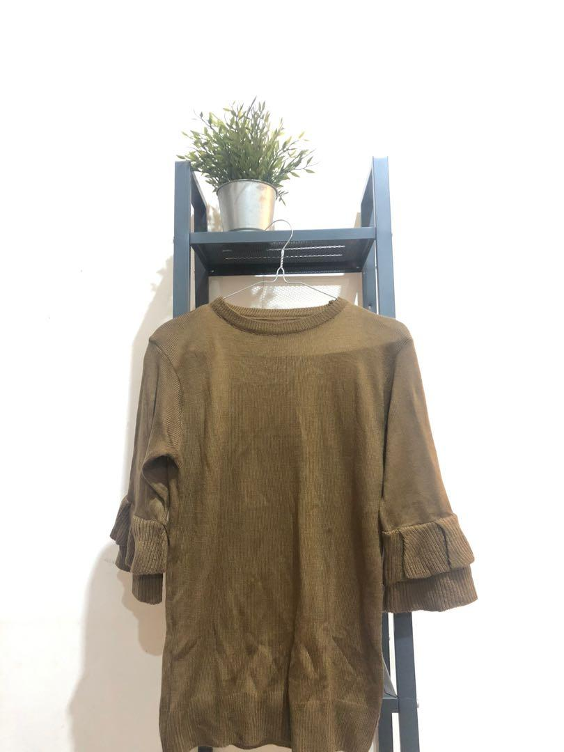 Sweater Rajut Brown