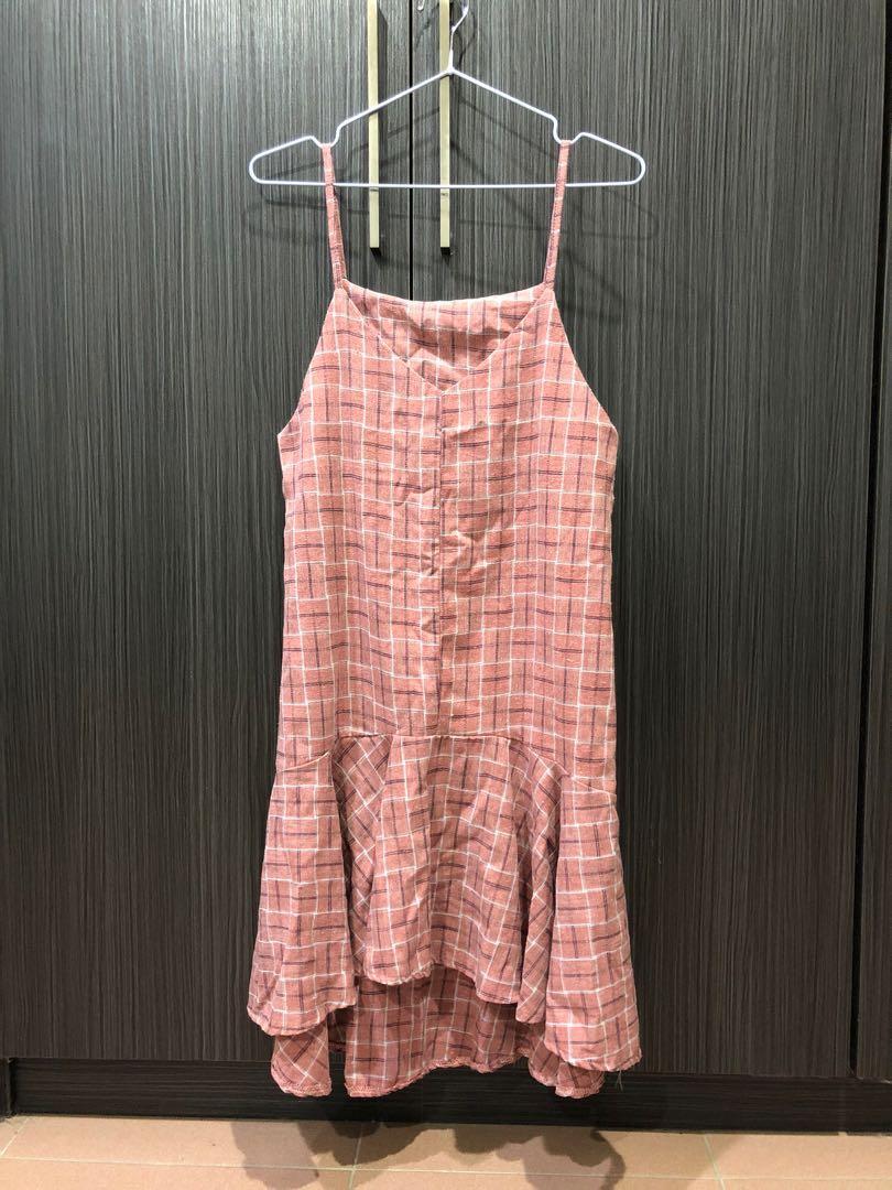 背心連身魚尾裙洋裝粉紅格可搭白色T-shirt
