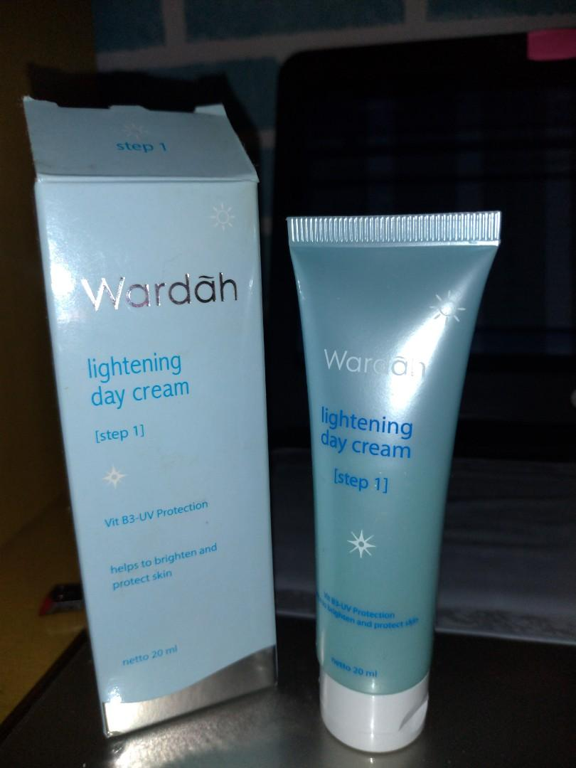 Wardah LIGHTENING Series - Day cream #mauovo