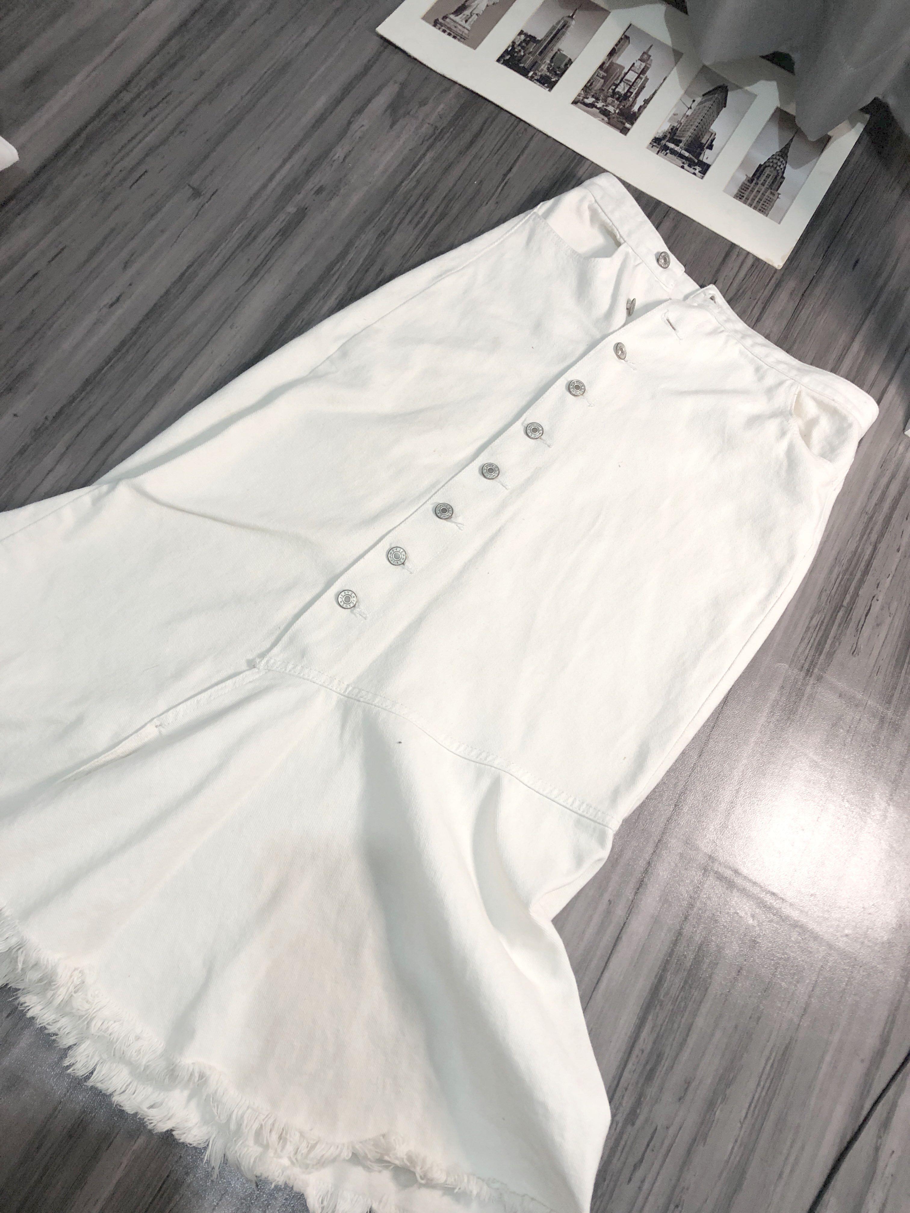White denim skirt rok putih wanita