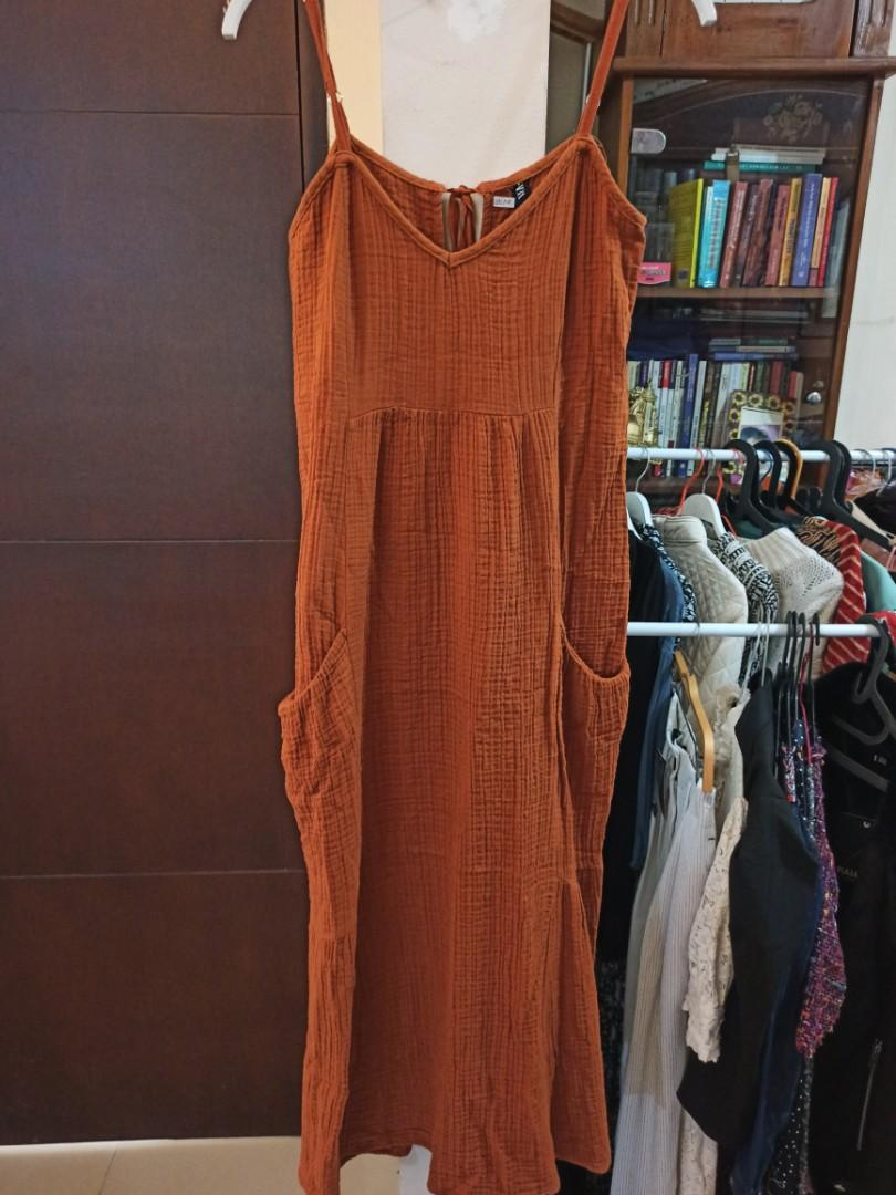 Zara brown textured strappy dress with pockets
