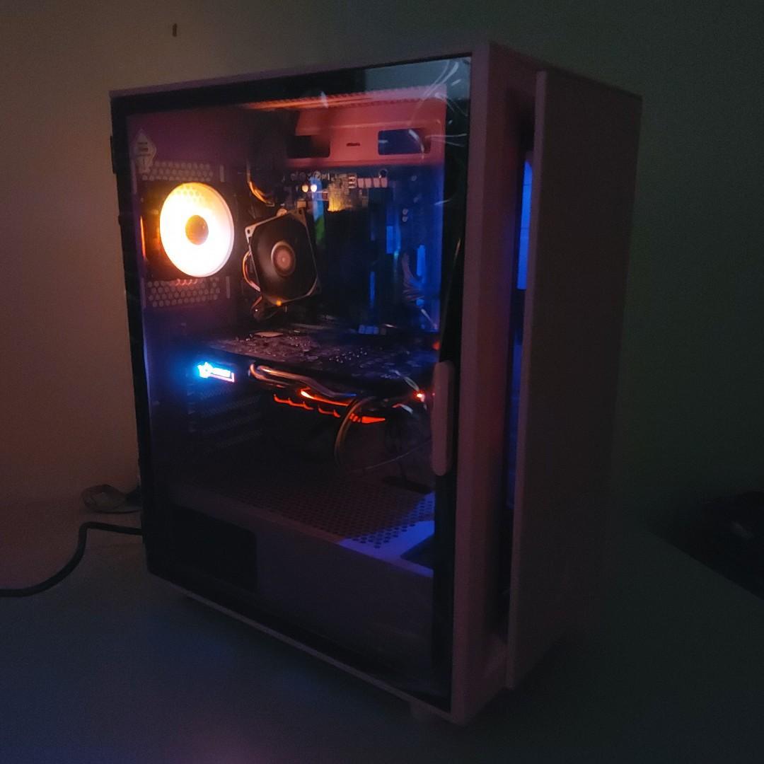 只有一台 超漂亮粉色電競主機 吃雞 電競 遊戲電腦免萬元