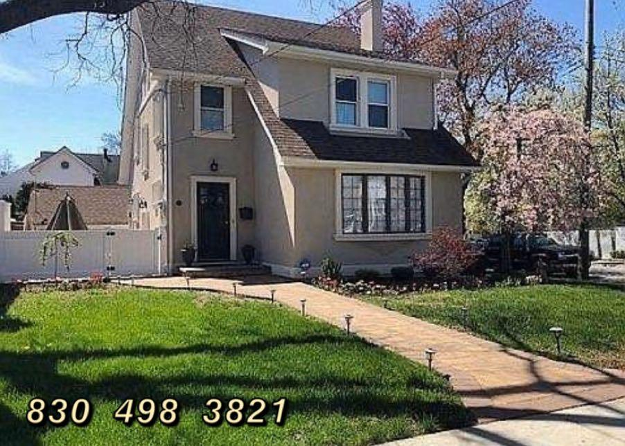 BEAUTIFUL 2B /1.5B HOUSE FOR RENT