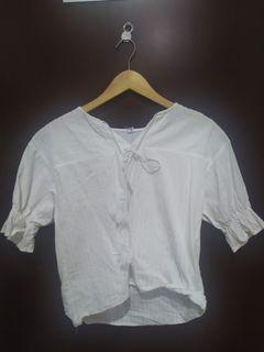 Blus putih model boho #oktoberovo
