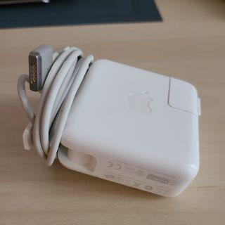 Mac air charger perfect condition