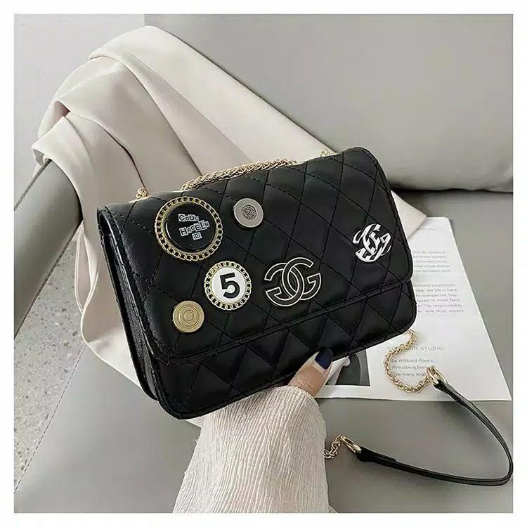 Slingbag quilted pin