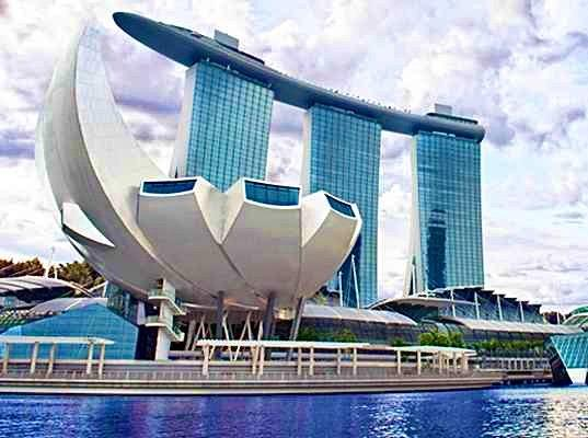 T  ArtScience art science museum cheap ticket discount promotion sky park marina river cruise Garden by