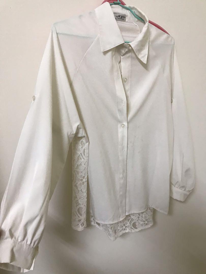 米白色長襯衫 後背蕾絲裸空 #換季