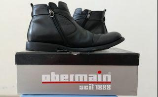 Black Boots Obermain