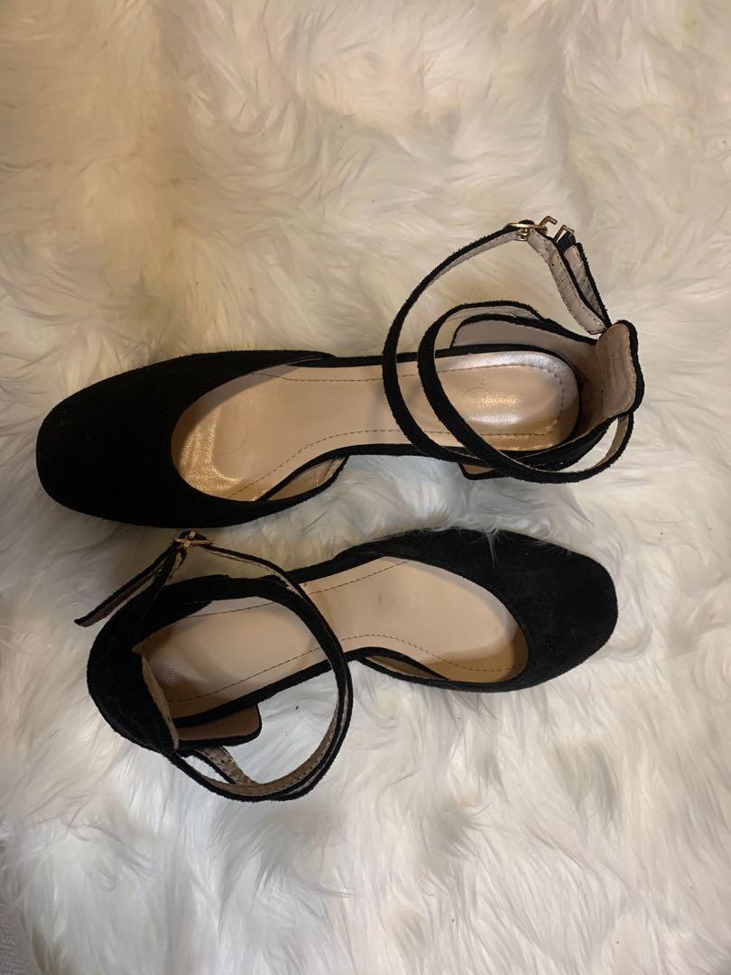 Cross over strap heels