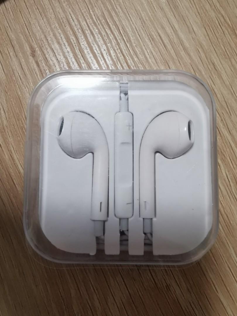Earphones 耳機