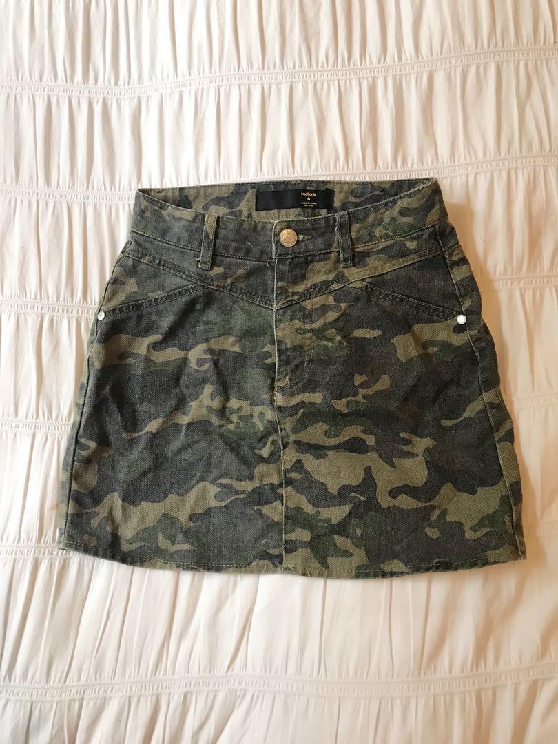 Factorie Camo skirt