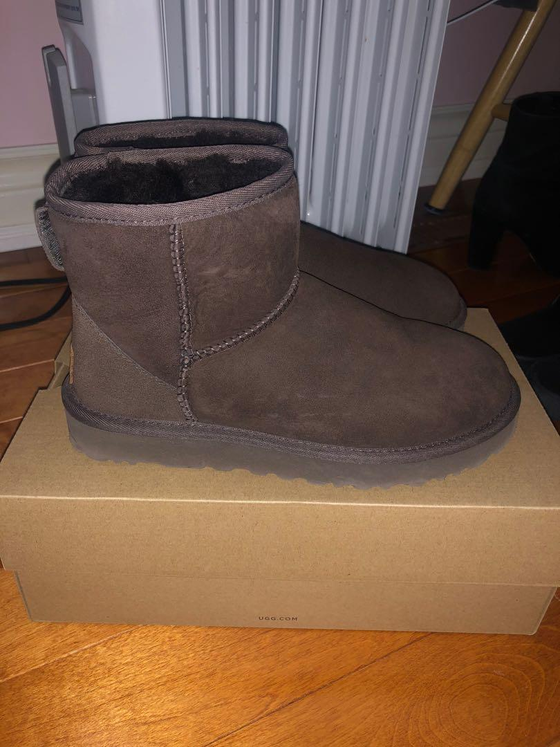New Chocolate Brown UGGS Size 6