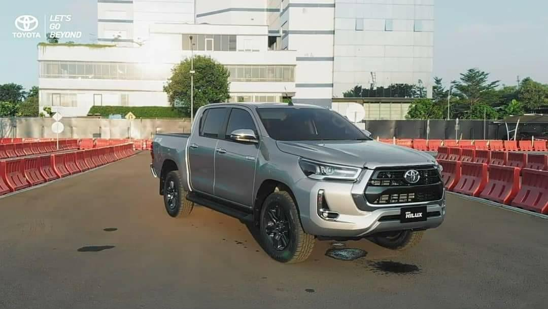 TOYOTA NEW HILUX DOUBLE CABIN V (4x4) DSL A/T 2020
