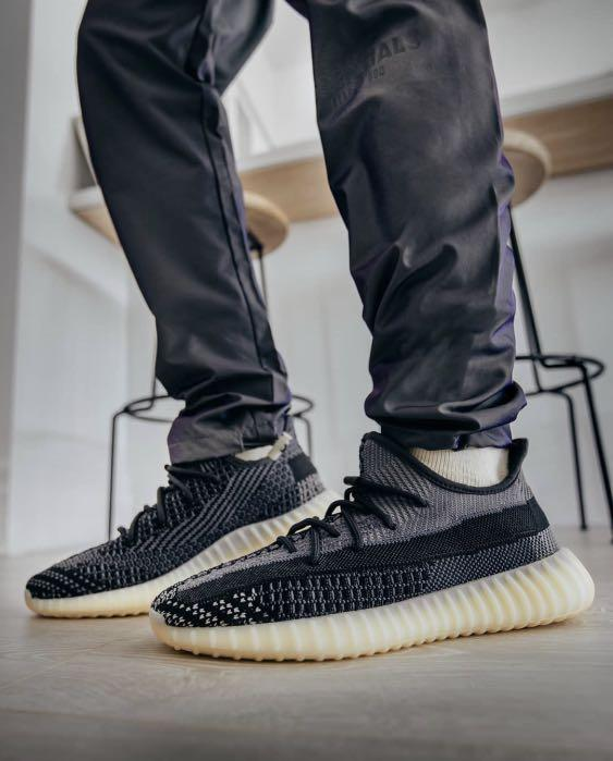 Yeezy carbon size 4-11