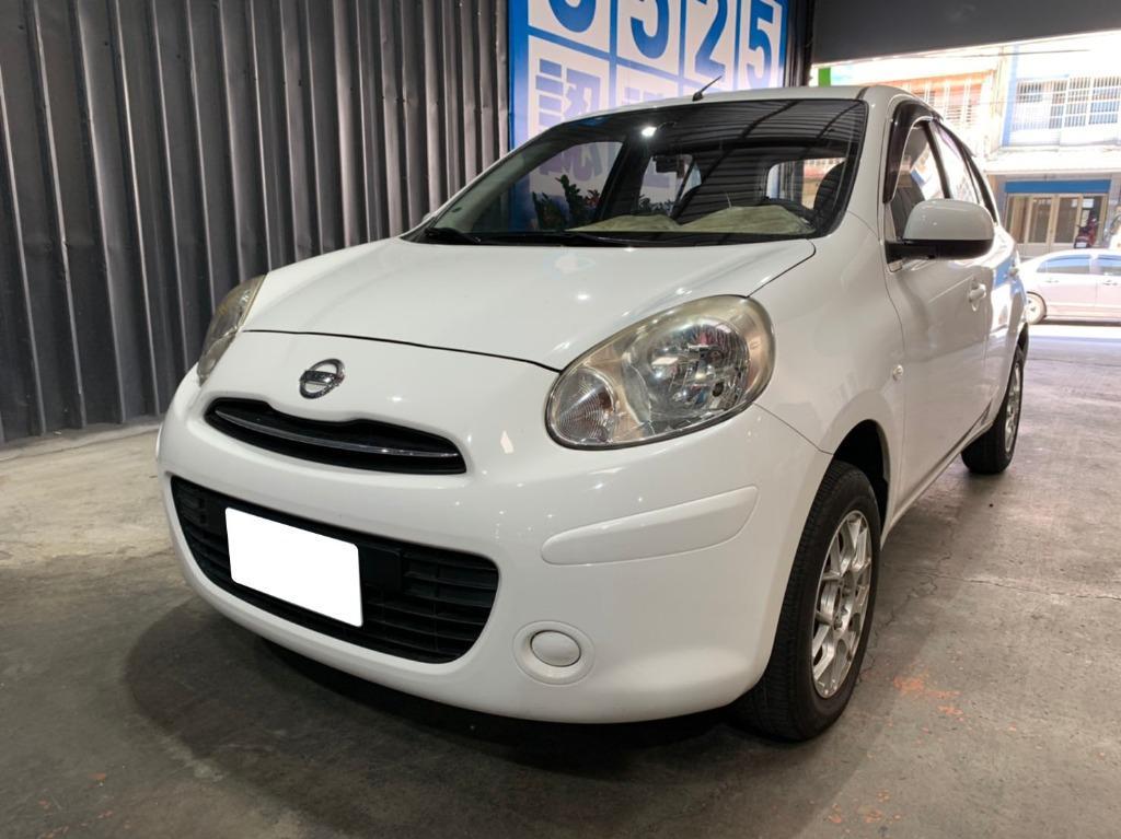 2014年Nissan日產March 白4