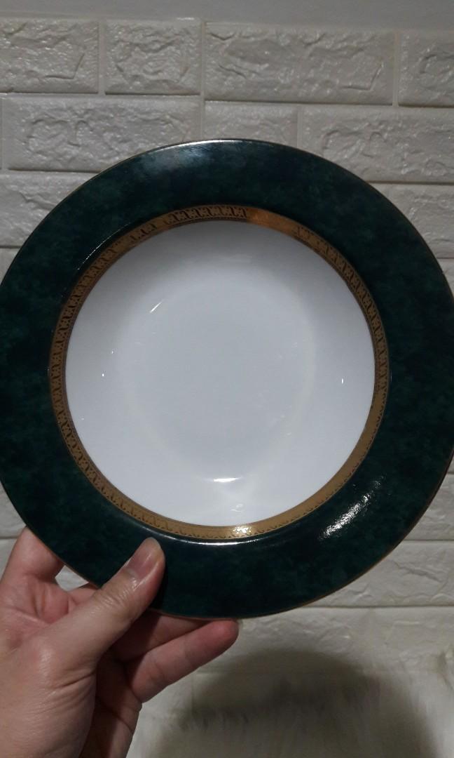 Piring Porcelin  England