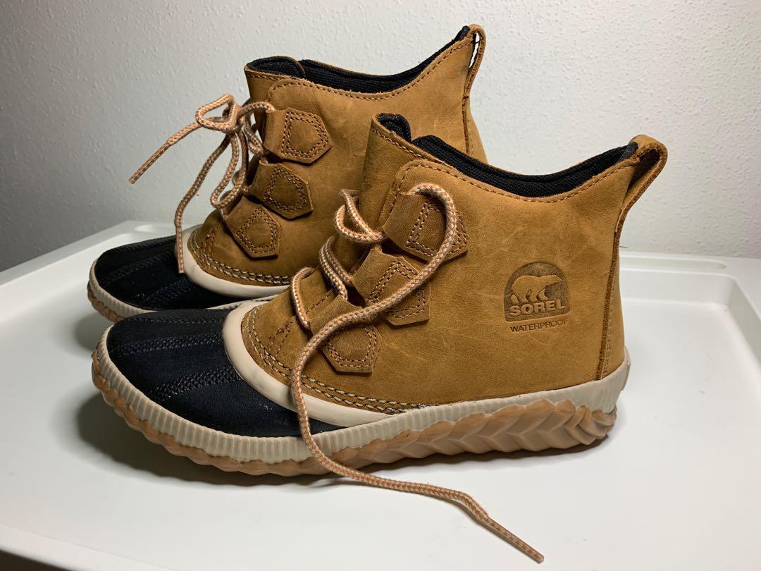 Plus camel waterproof flat ankle boots