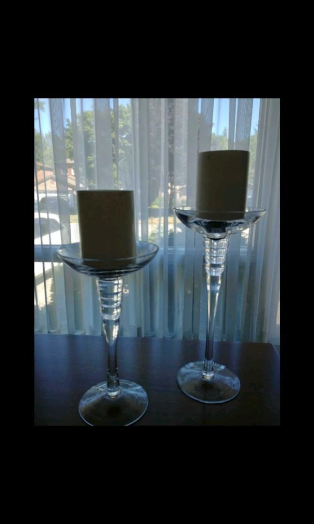 2 glass decor pieces