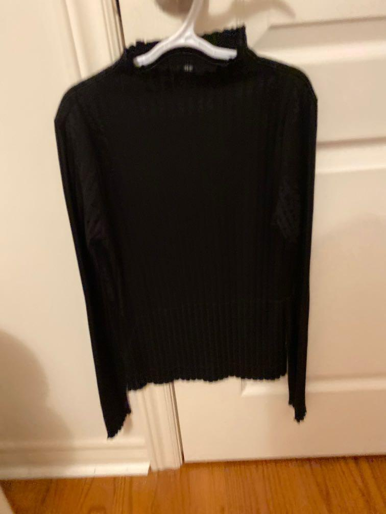 Forever 21 black mock neck shirt