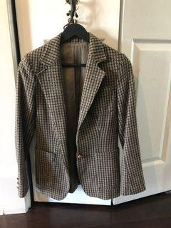 Gorgeous tweed blazer - fits like a small