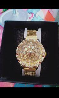 Sale!! Magnetic Gold Watch