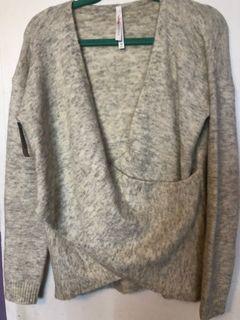Babaton winter sweater