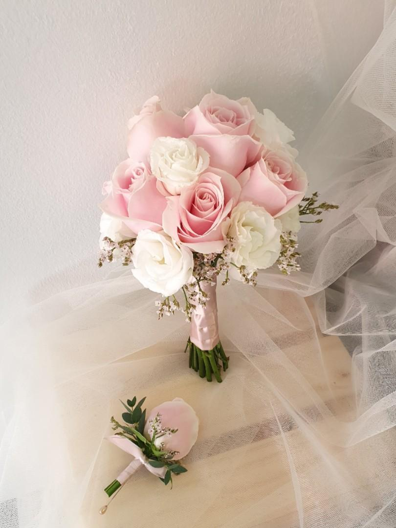 Bridal Bouquet Rom Small And Simple Bridal Bouquet Gardening Flowers Bouquets On Carousell