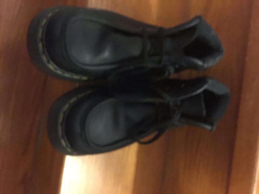 Dr martens shoes size 7, mint condition