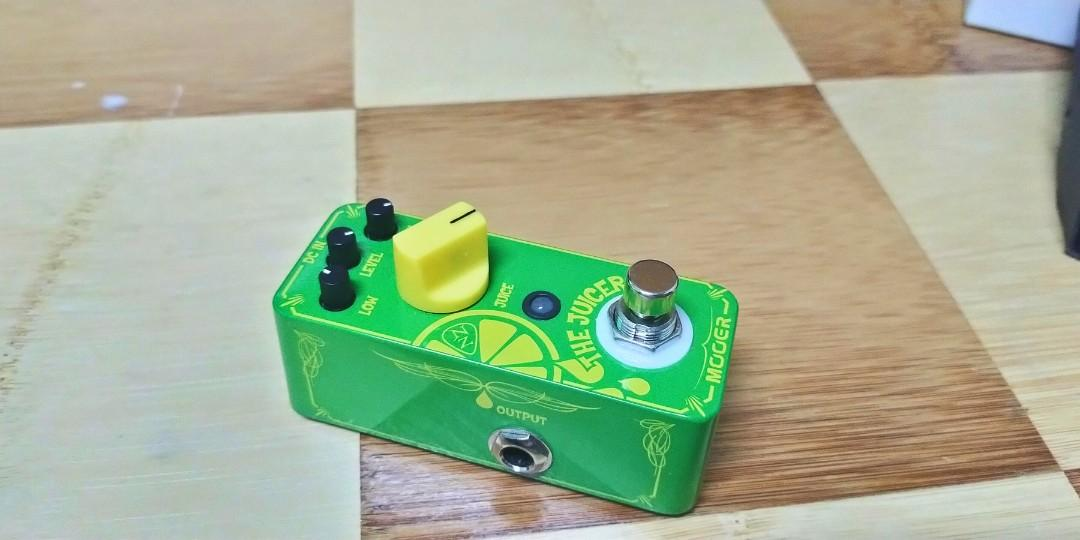 """Mooer """"The juicer""""  overdrive pedal. Neil zaza signature over drive"""