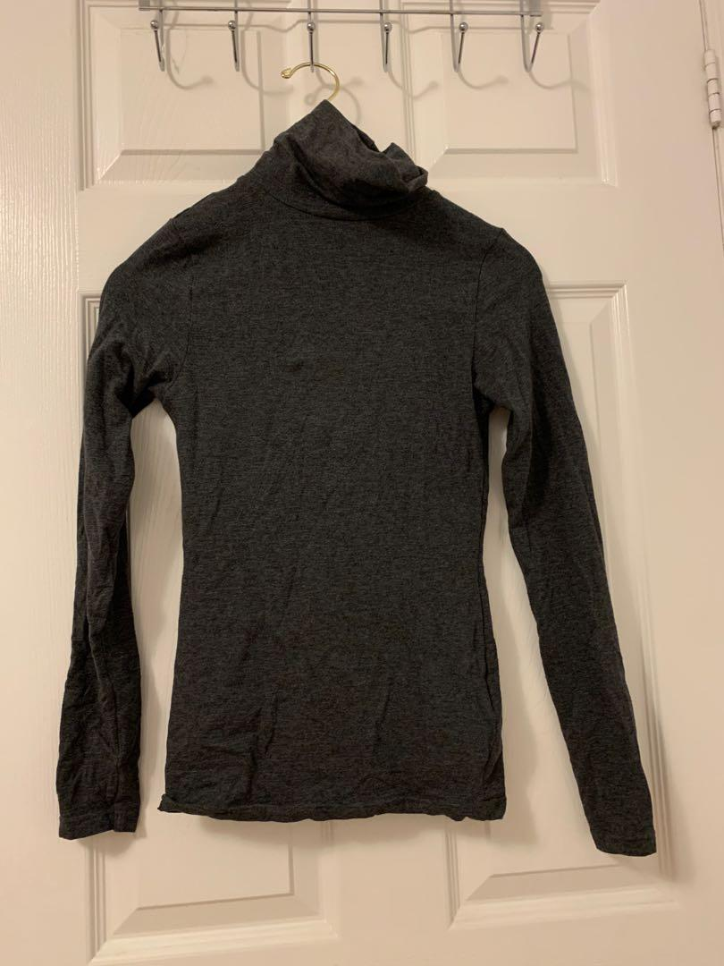 NEW m boutique Mendocino turtleneck size small