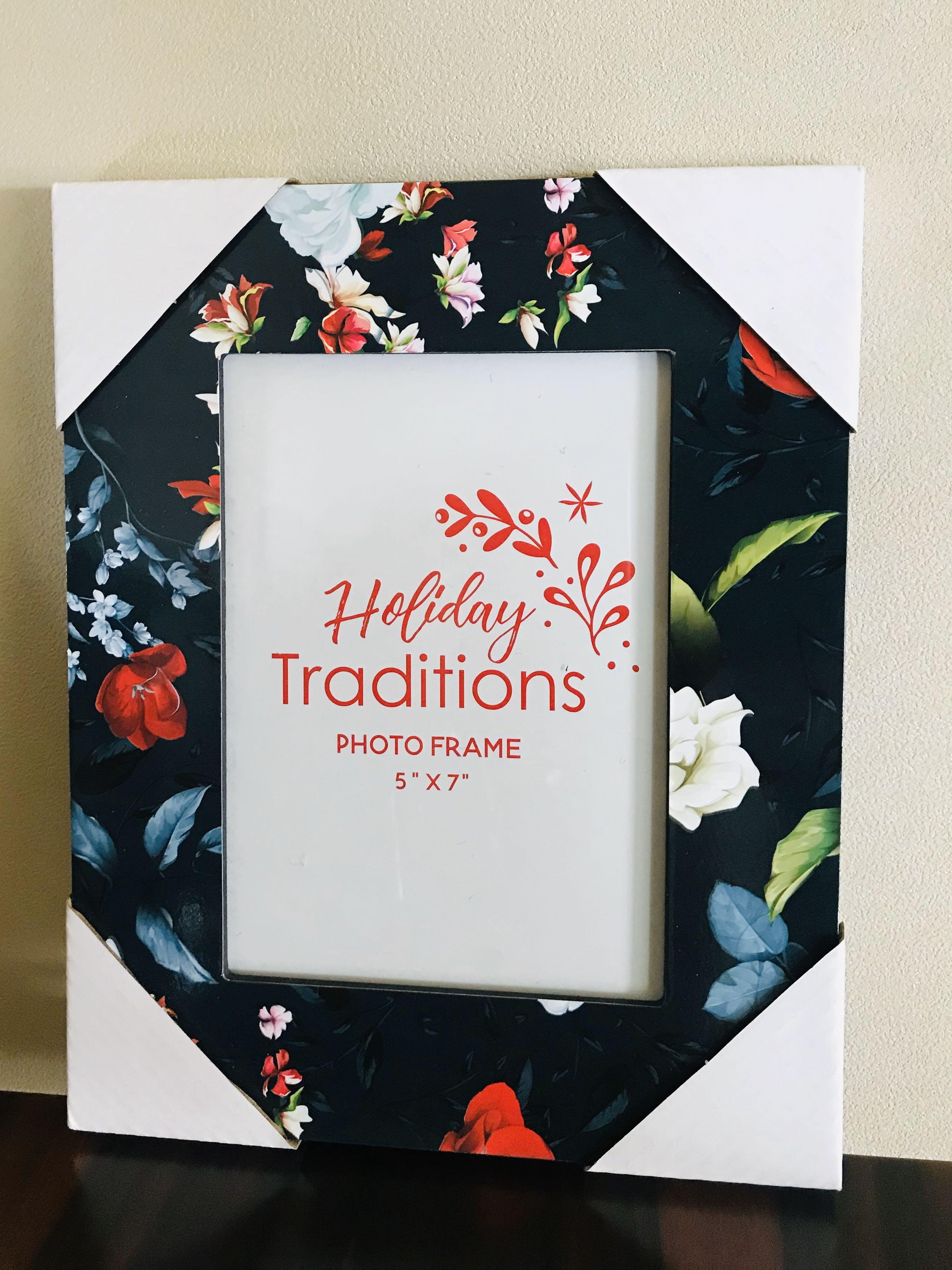 Photo Frame 5 X 7 Floral Holiday Traditions
